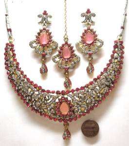 Bollywood-Style-Jewelry-Sets