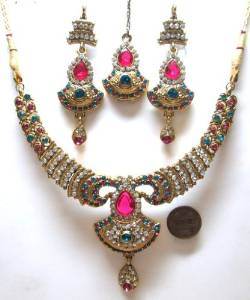 Bollywood-Style-Jewelry-Sets1