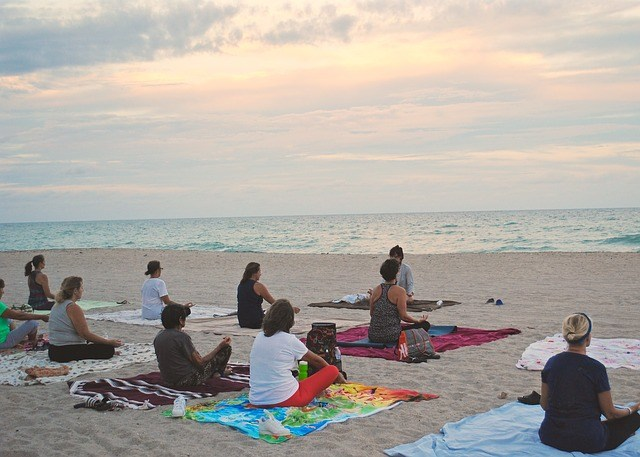 yoga classes at evening beaches