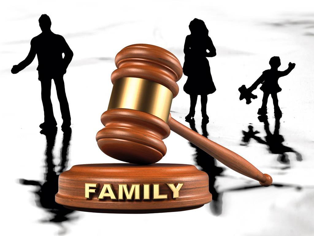 Family lawyer cost breakdown for small families