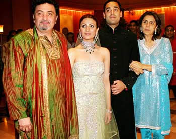 Riddhima Kapoor And Bharat Sahni With Family On Wedding Day