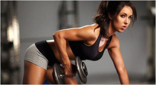 Hot-woman-lifitng-weights