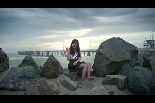 Megan-Nicole-Feet-1105196