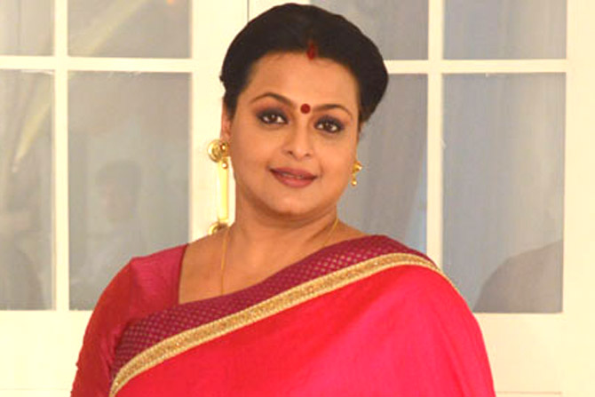 Shilpa Shirodkar Silsila Pyar Ka Serial Janki Tiwari Real Name Wiki Biography age Height Husband Images Biodata