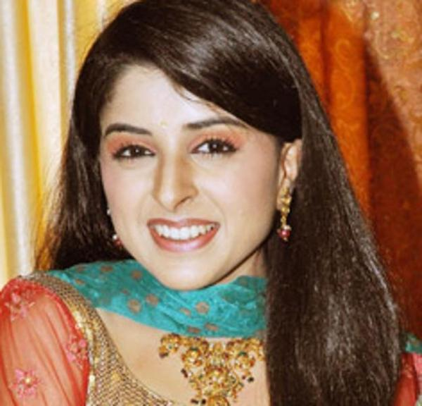 Uttara in Swaragini Biography