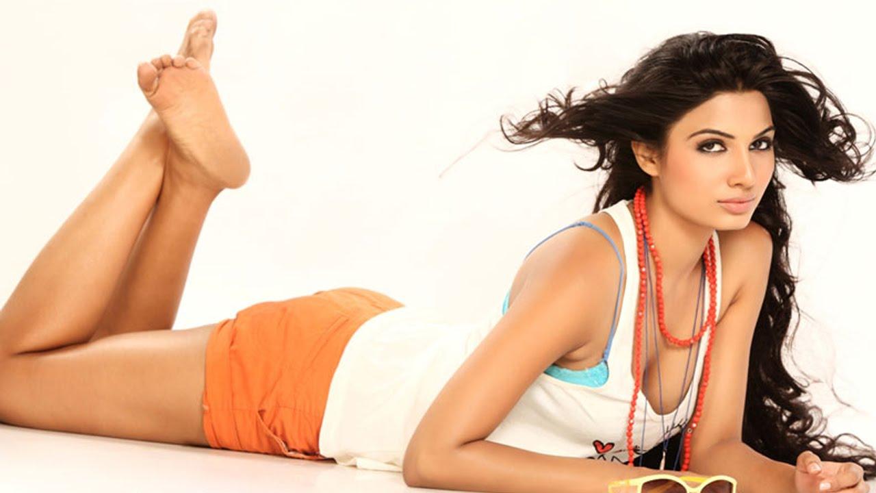 Avani Modi Wiki Biography Boyfriend| Calendar Girls Actress Nazneen Malik Wikipedia