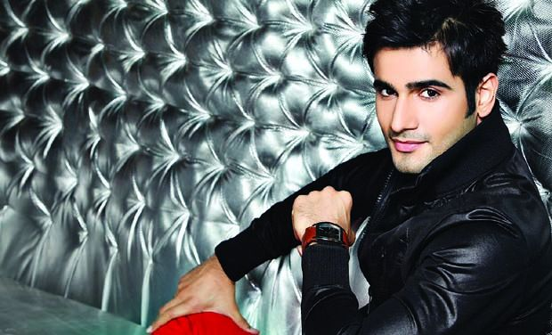 Karan Tacker The Voice India Host Wiki Biography DOB Age Height Girlfriend and Personal Profile