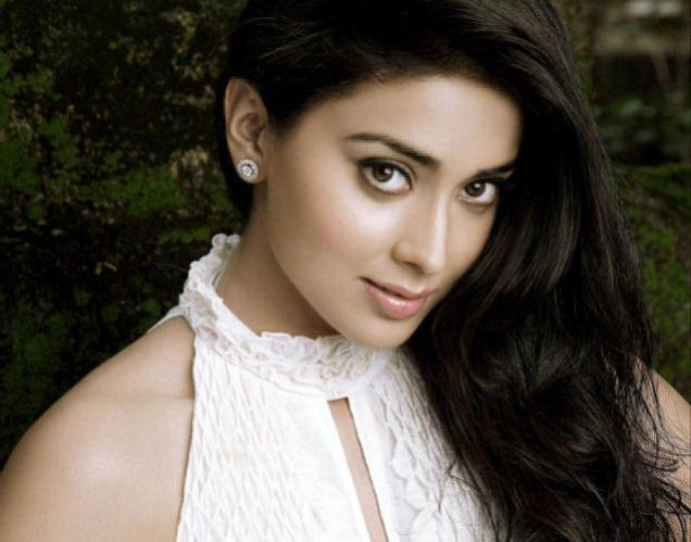 Shriya Saran Wikipedia Biography DOB Age Boyfriend and Personal Profile| Drishyam Actress Wiki