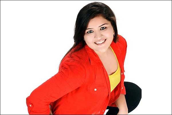 Khushbu Thakkar Wiki Biography Bio DOB Age Boyfriend Personal Profile| Ishq Ka Rang Safed Actress Wikipedia