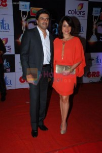 Neelam Kothari, Sameer Soni at ITA Awards red carpet in Mumbai on 1st Nov 2014