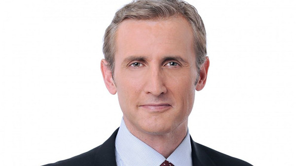 Most-Beautiful-Male-News-Anchors5