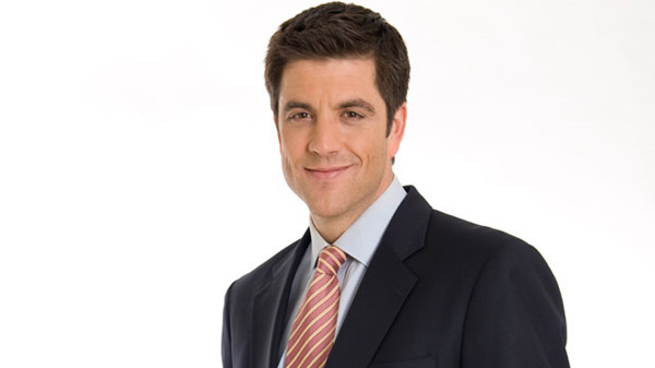 Most-Beautiful-Male-News-Anchors6