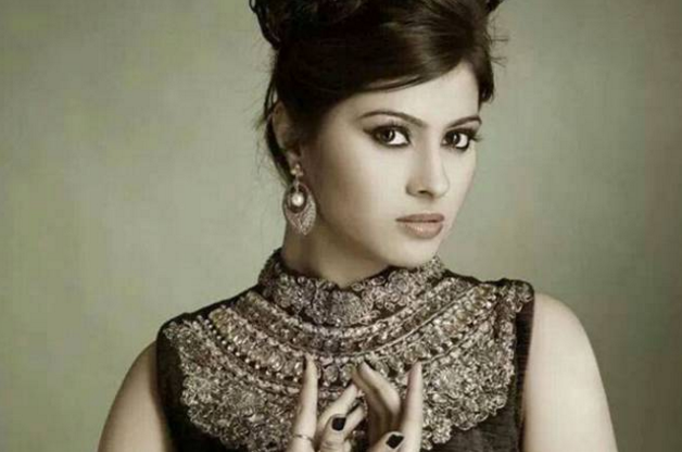Aparna Dixit Wiki Bio DOB Age Boyfriend Biodata  Kalash Serial Actress Devika Real Name