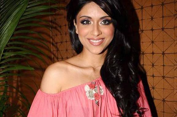 Zoa Morani Wiki Biography Age Boyfriend  Bhaag Johnny Film Actress Tanya Wikipedia