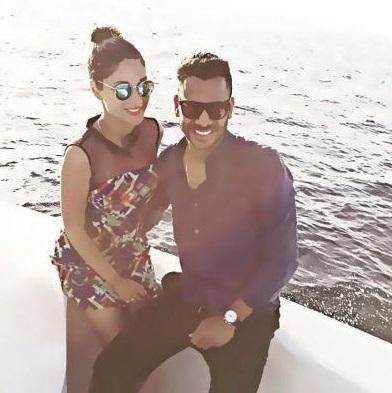 manoj with wife